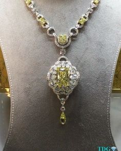 THAT CENTER YELLOW RADIANT!!! Any the yellow briolette!!! I love everything about this @graffdiamonds necklace I saw at #BaselWorld2016 , except the fact that I am not wearing it!