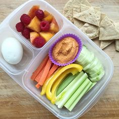 Love this #EasyLunchboxes lunch packed with healthy whole food!