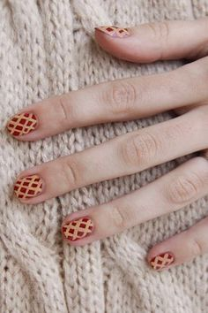 Thanksgiving-Inspired Nail Art