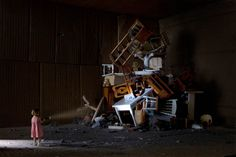 Photographs of Real People Living Inside Tiny Cardboard Box Dioramas dioramapeople 1