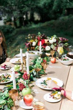 Bountiful table: http://www.stylemepretty.com/2014/11/28/autumn-al-fresco-bridal-shower/ | Photography: Kathryn McCrary - http://www.kathrynmccrary.com/