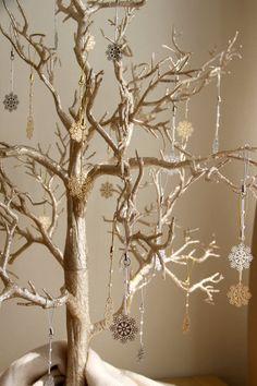 decoración de navidad en en dorado