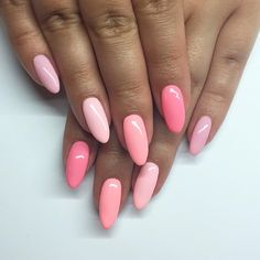 Having short nails is extremely practical. The problem is so many nail art and manicure designs that you'll find online Perfect Nails, Gorgeous Nails, Hair And Nails, My Nails, Pink Shellac Nails, Coral Pink Nails, Acrylic Nails, Crome Nails, Oval Nails