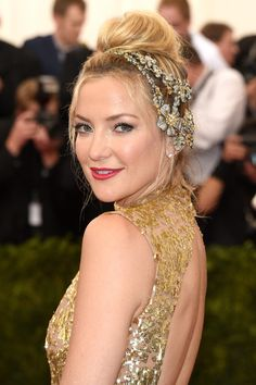 Kate Hudson Headdress - Kate Hudson paired a bedazzled floral headpiece with a sequined gown for a totally enchanting look during the Met Gala.