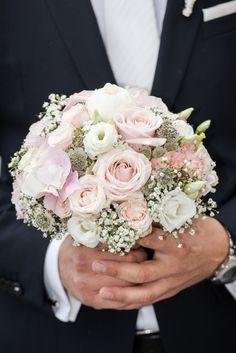 Hochzeit und standesamtliche Trauung im Schloss Mattsee Wedding Flowers, Floral Wreath, Wedding Inspiration, Wreaths, Future, Blog, Pink, Decor, Bouquets