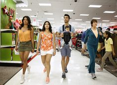 """Jane The Virgin -- """"Chapter Twenty-Nine"""" -- Image Number: -- Pictured (L-R): Andrea Navedo as Xo, Gina Rodriguez as Jane, Justin Baldoni as Rafael and Ivonne Coll as Alba -- Photo: Greg Gayne/The CW -- © 2015 The CW Network, LLC. All rights reserved. Jane The Virgin Rafael, Jane And Rafael, Cw Series, Best Series, Netflix Series, Jane And Michael, Justin Baldoni, Zipper Face, Gina Rodriguez"""
