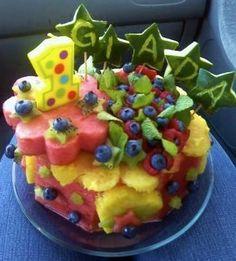 How to Make Watermelon Cakes Fat-Free Vegan Birthday Cakes & Fruit Cakes! Raw Vegan Desserts, Gluten Free Desserts, Vegan Dishes, Healthy Cake Recipes, Cupcake Recipes, Raw Food Recipes, Fresh Fruit Cake, Fruit Cakes, Watermelon Cakes