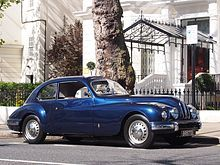 1952 Bristol 401. The Bristol 401 saloon and Bristol 402 cabriolet are British luxury sporting cars, produced between 1948 and 1953 by Bristol Cars, an offshoot of the Bristol Aeroplane Co. They were the successors to the initial Bristol 400.