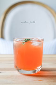 garden party, a cocktail   prosecco in the park