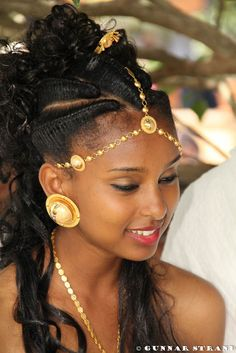 African-American-Wedding-Hairstyles- love the headpiece African Beauty, African Women, Ethiopian Beauty, African American Weddings, My Hairstyle, My Black Is Beautiful, Gorgeous Hair, Beautiful Women, African Hairstyles