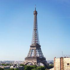 #eiffeltower #bluesky #paris #toureiffel #nikon #d7100 #