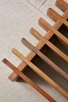 Discover diy bed frame crates made easy Rustic Furniture, Diy Furniture, Furniture Stores, Apartment Furniture, Furniture Outlet, Modern Furniture, Furniture Design, Diy Platform Bed, Diy Bed Frame