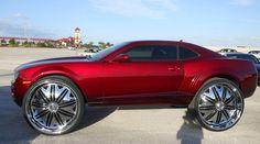 Revista Auto Esporte – Automaníacos » Camaro ganha rodas de 32″, vira um Hot Wheels gigante » Arquivo