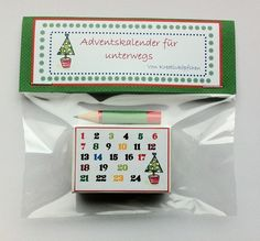 *Winziger Adventskalender - für unterwegs*  _Schmunzeln garantiert!_   Dieser Adventskalender passt in jede Hosentasche( Größe einer Streichholzschachtel). Befüllt mit 24 Mini Schokolinsen,...