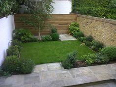captivating-small-backyard-garden-design-ideas-also-green-grass-plus-wooden-fenc… faszinierende-kleine-Hinterhof-Garten-Design-Ideen-auch-grünes-Gras-plus-Holzzaun-sowie-rustikale-Ziegelmauer. Simple Garden Designs, Back Garden Design, Garden Design Plans, Small Backyard Design, Small Backyard Gardens, Backyard Garden Design, Small Backyard Landscaping, Small Gardens, Patio Design