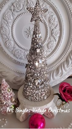 Christmas Food Gifts, Christmas Craft Projects, Christmas Scenes, Christmas Jewelry, Christmas Crafts, Christmas Decorations, Christmas Ornaments, French Christmas, Miniature Christmas Trees