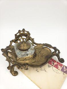 dating antique inkwells)