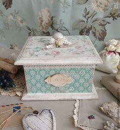 Inspiration Artistique, Decoupage Box, Altered Boxes, Gisele, Casket, Vintage Wood, Wooden Boxes, Napkin, Roxy