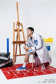 """The World Is Your Oyster SS16 collection titled """"All Possible Future"""" draws inspiration from the Internet world. Nowadays, there is a phenomenon that people get strongly attached in all sorts of social media. The advent of e-mail and... »"""