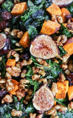 Roasted Sweet Potato and Fig Kale Salad with maple-toasted walnuts, dried cranberries, and cider vinaigrette - a healthful superfood salad that can be enjoyed as an entree or a side dish! Fig Salad, Superfood Salad, Superfood Recipes, Kale Salad, Salad Recipes, Syrup Recipes, Nut Recipes, Dinner Recipes, Fig Recipes Savory