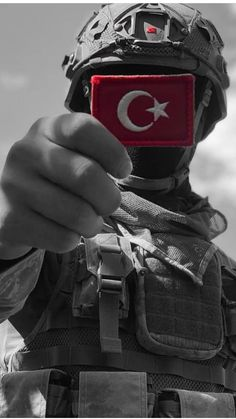 Türkei Image A Patriotic House Adorning Theme Are you exhausting core purple, white, and blue? Turkish Soldiers, Turkish Army, Army Wallpaper, Galaxy Wallpaper, Pakistan Wallpaper, Pakistan Army, Military Tattoos, Military Girlfriend, Most Beautiful Wallpaper