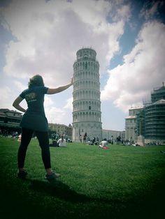 Objecten op de voorgrond lijken groter dan op de achtergrond Pisa, Tower, World, Building, Travel, Pictures, Rook, Viajes, Computer Case