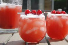 Bekijk de verzameling aan alcoholvrije cocktails op Cocktailicious.nl. O.a. de mooie Berrytini, Mango Dream, Mojito Granate, en de classy Lychee Martini