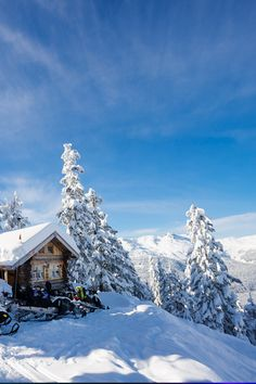 Eating becomes an experience with creative twists at these North American ski resorts. Cool Places To Visit, Places To Go, Travel Around The World, Around The Worlds, Ski Resorts, World Pictures, Its A Wonderful Life, Winter Travel, Travel Goals