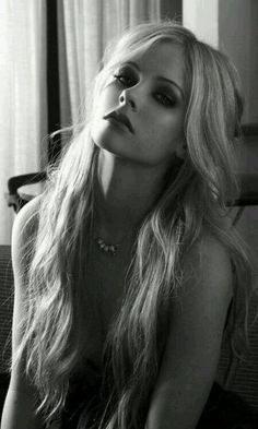 Avril Lavigne makeup - Best htc one wallpapers, free and easy to . Beautiful Celebrities, Beautiful Women, Avril Levigne, Avril Lavigne Photos, Makeup Rooms, Monochrom, Black And White Portraits, Sensual, Pretty Woman