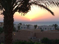 Watching sunrise in Sokhna & listening to Fayrouz