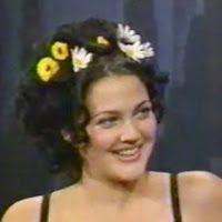 DIY : Drew Barrymore Daisy Hair Clips Drew Barrymore 90s, Beauty Supply, Get The Look, Beauty Style, Fashion Beauty, Hair Clips, Bobby Pins, Daisy, Bride
