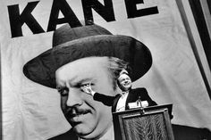 This Day in History:  Oct 30, 1938: Welles scares nation http://dingeengoete.blogspot.com/ http://4.bp.blogspot.com/-mdaygYD08fs/Tw4YmYsGNBI/AAAAAAAAARY/ZfcxrDUSDNw/s1600/citizenkane4.jpg