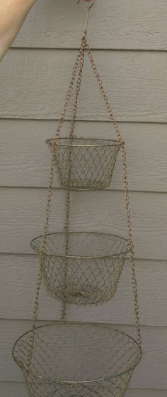 Check out this item in my Etsy shop https://www.etsy.com/listing/243981686/awesomely-retro-brass-colored-metal-wire
