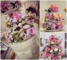 De forma muito criativa e original, o porta doces pode receber flores, servindo como arranjo de festa ou simplesmente para a decoração de sua casa.