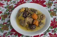 Μενού για ρεβεγιόν. - To Cafe tis mamas Pot Roast, Menu, Xmas, Spirit, Ethnic Recipes, Food, Carne Asada, Menu Board Design, Christmas