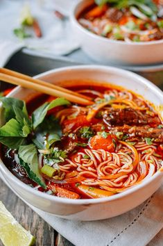 Bo Kho: Spicy Vietnamese Beef Stew with Noodles - Rezepte - Asian Recipes, Beef Recipes, Soup Recipes, Cooking Recipes, Healthy Recipes, Spicy Food Recipes, Laos Recipes, Irish Recipes, Cooking Ideas