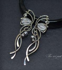 Wire wrapped earrings Crocuses Long sterling silver earrings with quartz and amethyst Wire Jewelry Earrings, Copper Jewelry, Jewelry Art, Beaded Jewelry, Jewelery, Jewelry Design, Long Silver Earrings, Wire Wrapped Necklace, Beads And Wire