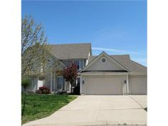 """702 Shore Vista Ct, Raymore, MO Welcome Dick & Tammy Wheatly to life in the """"big city""""!    ~9/04/2013"""