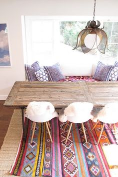 Modern nomad // love that kilim rug! #interior #design_inspiration