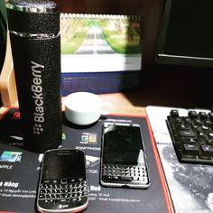 #inst10 #ReGram @manhhung_art: Combo fan dâu đen ------------------ #BlackBerryKEYone  #blackberry  #blackberrybold9900 #bold9900 Blackberry Keyone, Tech, Phone Cases, Fan, Instagram, Phone Accessories, Hand Fan, Technology, Fans