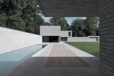 Vincent Van Duysen was born in Lokeren, Belgium. He attended Architecture school at the Institute Saint-Lucas in Ghent and founded his design studio in Antwerp Architecture Durable, Facade Architecture, School Architecture, Residential Architecture, Minimalist Architecture, Contemporary Architecture, Vincent Van Duysen, Interior Minimalista, Modern Pools