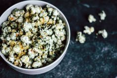 Popcorn kernels, ¼ cup Balsamic vinegar, 2 Tablespoons (give or take) Nutritional yeast, 2 Tablespoons Chlorella powder, 2 teaspoons