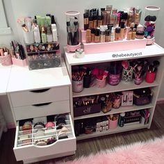 Makeup Storage In Bathroom Best Makeup Organization Ideas Rangement Makeup, Diy Rangement, Makeup Organization, Room Organization, Makeup Storage Closet, Makeup Shelves, Perfume Organization, Makeup Display, Make Up Storage