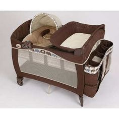 Graco Pack 'N Play Playard with Newborn Napper Station - Elefant