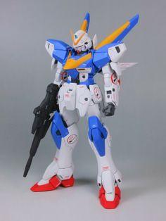 1/100 V2 Gundam - Painted Build