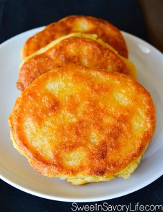 Have a taste of the islands in your own home with these Jamaican cornmeal fritters. Fried to perfection, these are simply the best you will ever try! Southerners call it hot water cornbread Jamaican Cuisine, Jamaican Dishes, Jamaican Recipes, Guyanese Recipes, Carribean Food, Caribbean Recipes, Comida Boricua, Vegan Recipes, Cooking Recipes