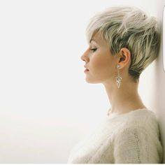 "7,452 Likes, 29 Comments - PixieCut ShortHair Blogger (@nothingbutpixies) on Instagram: ""Great look on @martaruzal"""