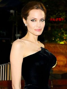Angelina Jolie: It Took Me Time to Find a Real Man http://www.people.com/article/angelina-jolie-real-man-brad-pitt