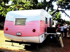 1000 images about tiny trailers on pinterest vintage trailers vintage cam - Lit roulotte vintage ...
