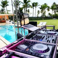 Roll on summer time ! I've been working on some experimental music, pushing my boundaries of techno and am looking forward to finishing the project. Free Mp3 Music Download, Mp3 Music Downloads, Dj Setup, Studio Setup, Trip Hop, Summer Pictures, Summer Pics, Dj Pics, Hey Mr Dj